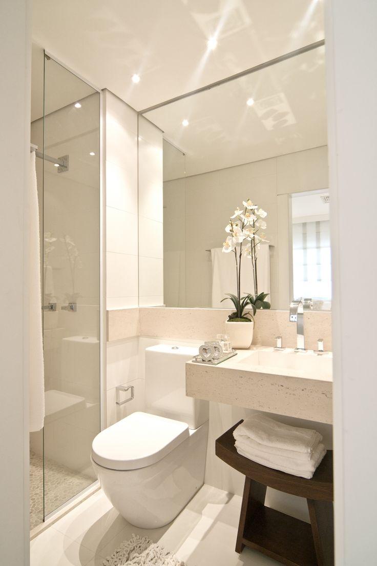 Quarto Pequeno Com Banheiro Dentro ~   aparece em harmonia e n?o isolado para usar em um mesmo banheiro